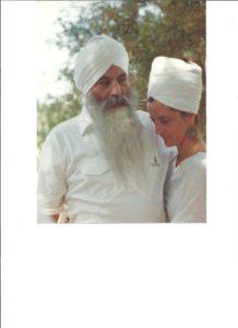 siri-with-yogi-bhajan-40-yrs-ago